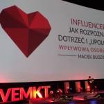 """Influencer – jak rozpoznać, dotrzeć i """"upolować"""" wpływową osobę w sieci"""